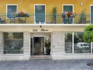 Hotel Alpino, Szállodák  Malcesine - big - 107
