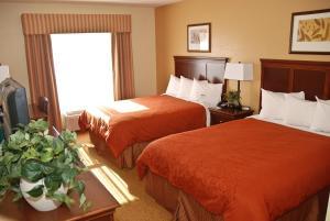 Queen Guest Room with Two Queen Beds