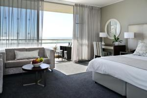 Tweepersoonskamer met Kingsize Bed of 2 Aparte Bedden en Uitzicht op Zee
