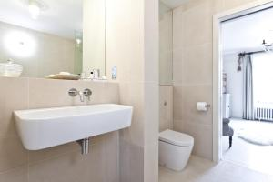 onefinestay - South Kensington private homes II, Apartmány  Londýn - big - 25