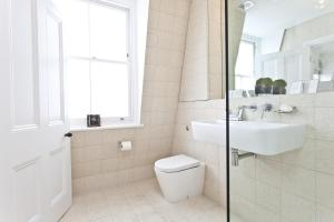 onefinestay - South Kensington private homes II, Apartmány  Londýn - big - 13