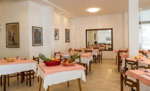 Hotel Alla Rotonda, Hotely  Lido di Jesolo - big - 22
