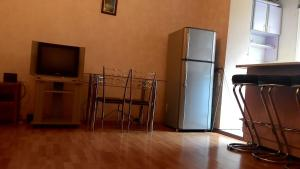 Apartment Kostava 10, Apartments  Batumi - big - 5