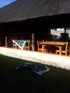 Nzipile Executive Guest House, Bed and breakfasts  Chingola - big - 23