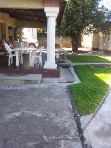 Nzipile Executive Guest House, Bed and breakfasts  Chingola - big - 19