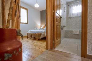 Apartamento La Ginesta 2, Apartmanok  Taull - big - 5