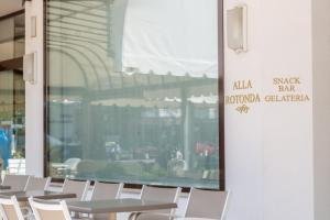 Hotel Alla Rotonda, Hotely  Lido di Jesolo - big - 30