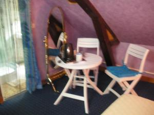 Les Coquillettes, Bed and breakfasts  Honfleur - big - 7