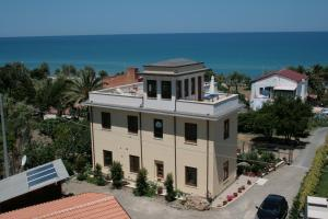 Villa Margherita, Bed and Breakfasts  Cefalù - big - 64