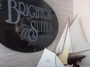 Brighton Suites Hotel, Отели  Рехобот-Бич - big - 26