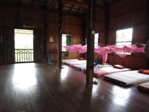 Isanborei homestay 10, Ubytování v soukromí  Kâmpóng Chheutéal - big - 3