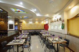 Hotel Suyash Deluxe, Отели  Пуне - big - 16