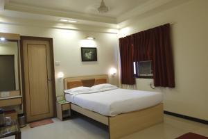 Hotel Suyash Deluxe, Отели  Пуне - big - 4