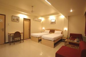 Hotel Suyash Deluxe, Отели  Пуне - big - 9
