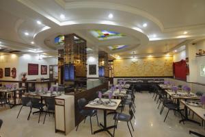 Hotel Suyash Deluxe, Отели  Пуне - big - 12