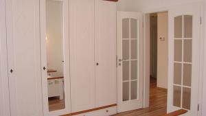 Holiday Apartment II, Apartmány  Karlove Vary - big - 3