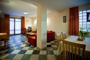 Tornácos Ház - Hegykő, Hotely  Hegykő - big - 28