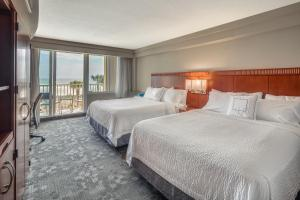 Queen Room with Two Queen Beds and Oceanfront Balcony
