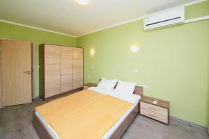 Evi Apartments 2, Apartmanok  Pomorie - big - 16