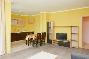 Evi Apartments 2, Apartmanok  Pomorie - big - 25