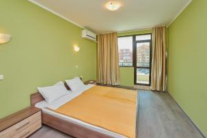 Evi Apartments 2, Apartmanok  Pomorie - big - 6
