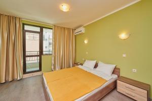 Evi Apartments 2, Apartmanok  Pomorie - big - 4