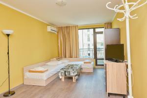 Evi Apartments 2, Apartmanok  Pomorie - big - 28