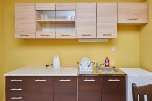 Evi Apartments 2, Apartmanok  Pomorie - big - 23