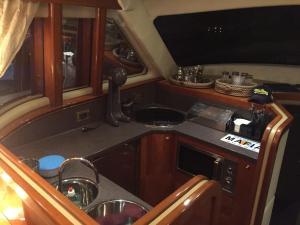 Venezia Yacht, Ботели  Тоурлос - big - 5