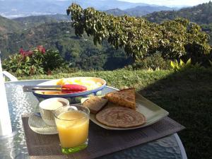 Mirador Finca Morrogacho, Bed & Breakfasts  Manizales - big - 5