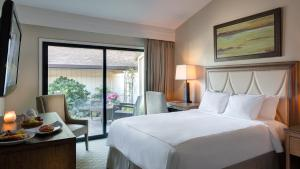 Mansion Estates Resort King Room