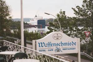 Hotel Waffenschmiede, Hotels  Kiel - big - 37