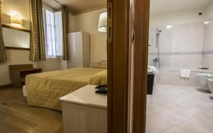 Piazza Paradiso Accommodation, Affittacamere  Siena - big - 21