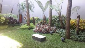 Dago Teuku Angkasa 14, Guest houses  Bandung - big - 28