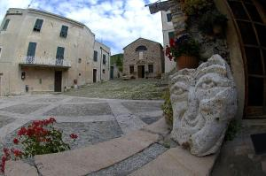B&B Borgo Saraceno, Bed & Breakfasts  Borgio Verezzi - big - 4