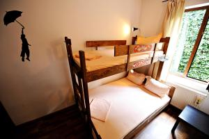 Umbrella Hostel, Hostels  Bucharest - big - 10