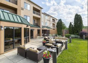Courtyard by Marriott Peoria, Hotels  Peoria - big - 19