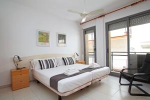 Friendly Rentals Burdeos, Apartmány  Sitges - big - 9