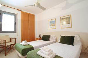 Friendly Rentals Burdeos, Apartmány  Sitges - big - 3