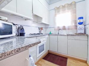 Friendly Rentals Metropolitan, Апартаменты  Ситжес - big - 10