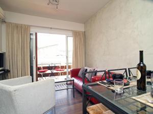Friendly Rentals Metropolitan, Апартаменты  Ситжес - big - 9