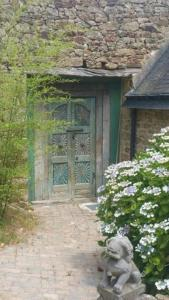 Le Domaine de Saint-Thomin, Bed & Breakfasts  Nostang - big - 22