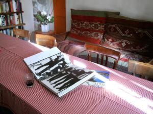 B&B Contrada Lunga, Bed & Breakfast  Abbadia Lariana - big - 53