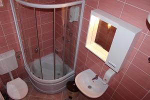 Rooms Zebax, Penzióny  Sarajevo - big - 43