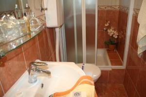 Rooms & Apartments Villa Anka, Апартаменты  Тучепи - big - 28