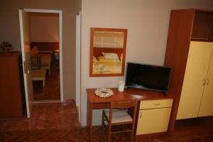 Rooms & Apartments Villa Anka, Апартаменты  Тучепи - big - 29