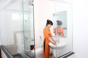 Hoang Ngoc Hotel, Hotels  Pleiku - big - 8