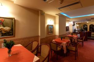 Hotel Glam, Hotely  Skopje - big - 47