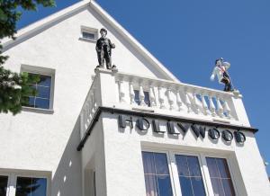 Hollywood Studio Apartments