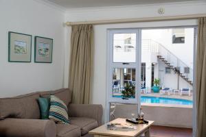 Tweepersoonskamer met Uitzicht op het Zwembad